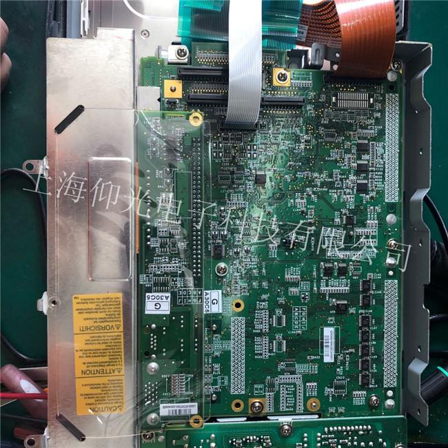 瑞士斯伯克折弯机DNC880工控主机白屏,无法正常显示。